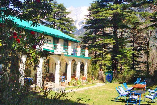 14 Rooms Gust House for Sale in Bhagsunag Dharamshala