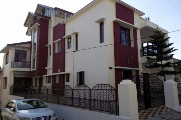 HOUSE FOR SALE IN BINDRABAN PALAMPUR.